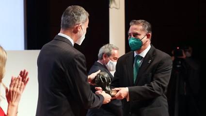 Felipe VI entrega a Bioammo el premio CEPYME al Mejor Proyecto Emprendedor del año